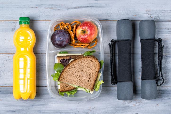 Ska man äta före eller efter träning